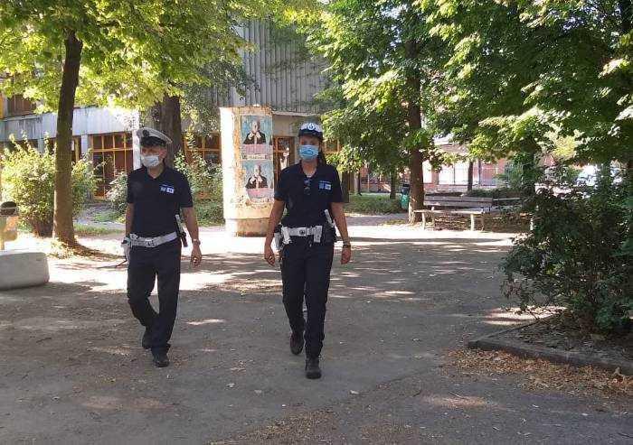 Bivacchi nei parchi e prostituzione, 4 persone allontanate