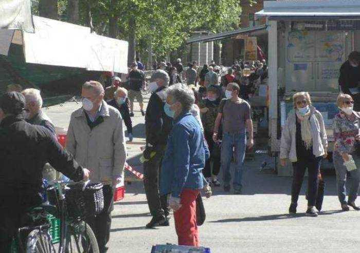 Ambulanti anziani chiedono giustificazione per non essere ai mercati