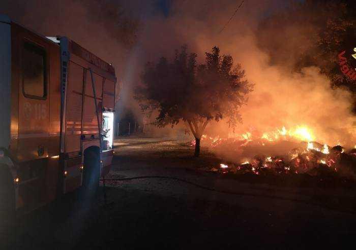 Marano, incendio di rotoballe al maneggio