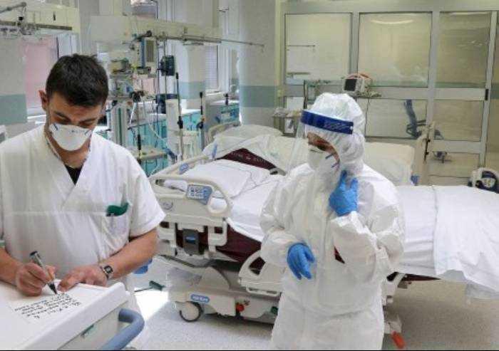 Covid, uno studio spiega l'alta mortalità in terapia intensiva