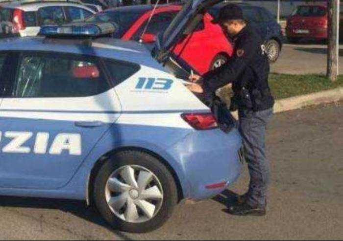 Lancia la droga dalla finestra: tunisino arrestato dalla polizia