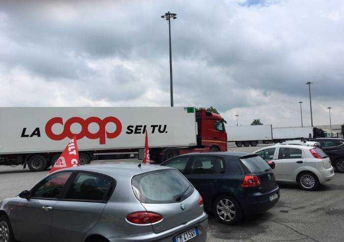 Chiusura magazzino Coop Anzola, i sindacati ottengono rinvio
