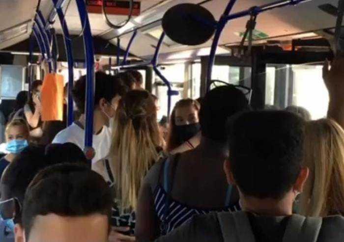 Trasporti scuola Modena, Bernagozzi: 'Inaccettabile: bus stipati'