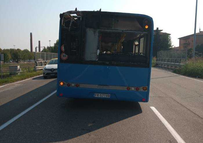 Modena, torna l'incubo incendi sui bus: in fiamme corriera Seta
