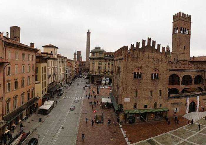 Immobiliare, prendere stanza in affitto a Bologna è più sostenibile