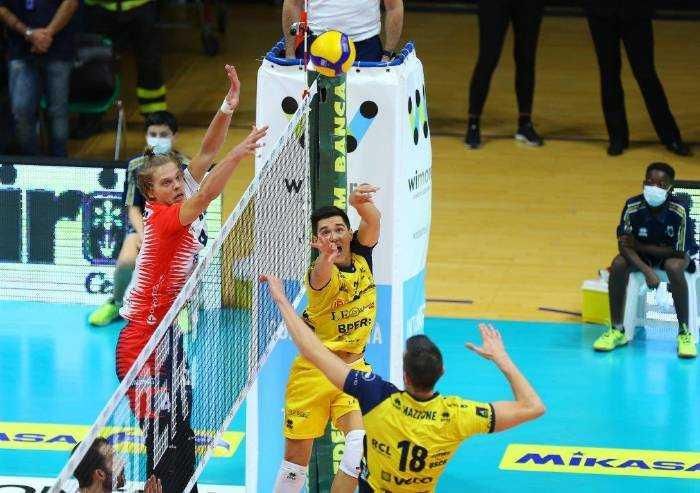 Superlega Volley: nella prima Monza espugna il Palapanini