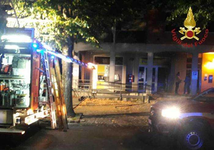 Formigine: esplosione all'ufficio postale, famiglia evacuata