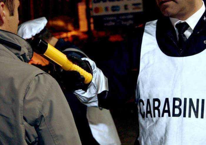 Beve troppo, fermato alla guida aggredisce i Carabinieri: arrestato