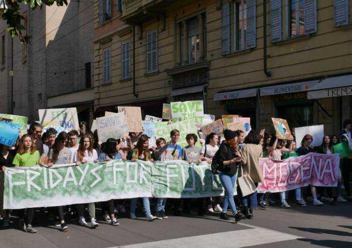 Modena e Carpi, il Covid non ferma Friday for future