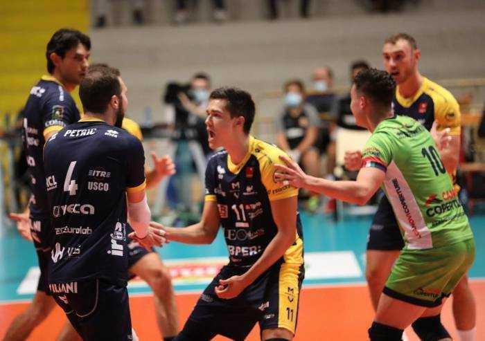 Volley Superlega: Modena vince a Ravenna