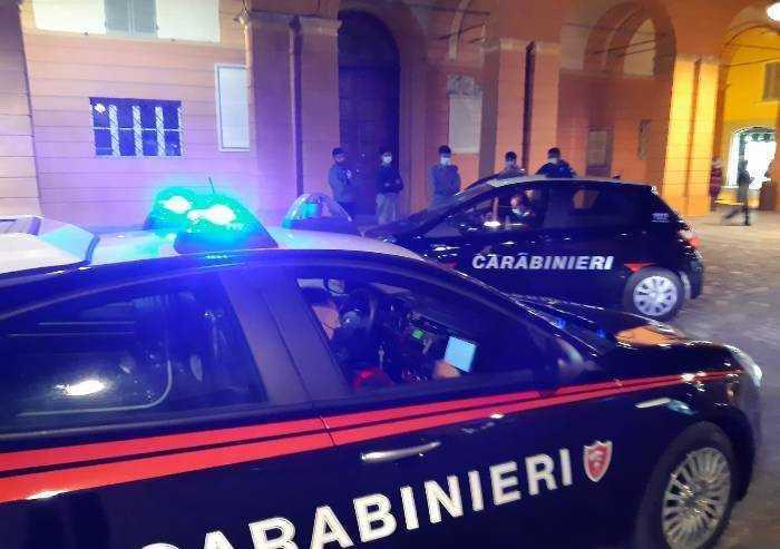 Carpi: multati giovani senza mascherina, 373 euro a testa per due in auto non congiunti
