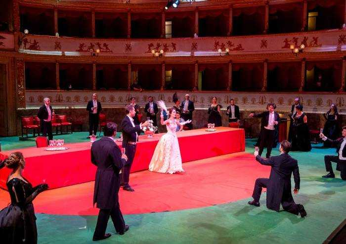Lirica: 'La Traviata' apre la stagione lirica del teatro Comunale