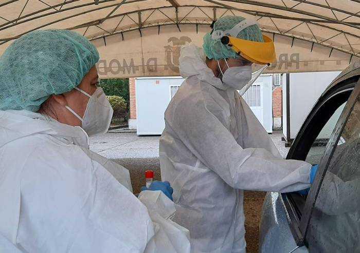 Covid, su 56 casi modenesi, sette ricoverati. Boom di contagi in città
