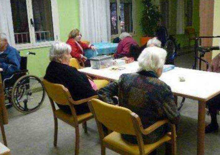'Residenze anziani, la chiusura delle visite segno di debolezza'