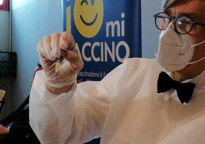 Vaccini in ritardo, la Regione rassicura: a Modena 26.500 già fatte
