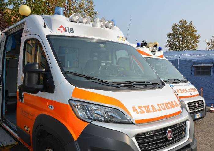 Modena, operatori del 118 aggrediti durante un intervento