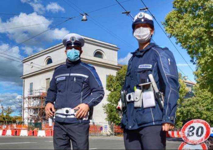 Modena: immigrato positivo al Covid, chiuso posto integrato di polizia