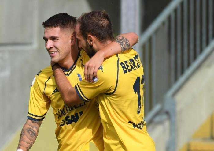 Di nuovo verso la vetta, il Modena batte la Sanbenedettese 2-0