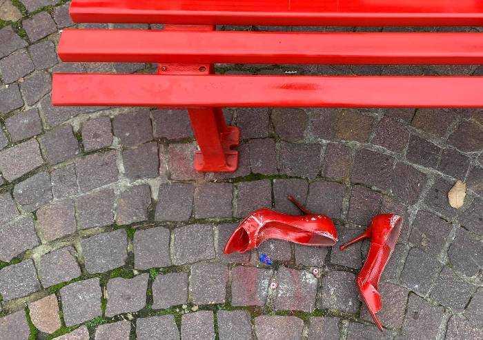 Pavullo, denunciato vandalo della Panchina rossa: 20enne marocchino
