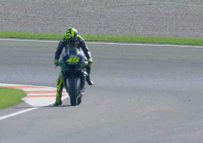 MotoGp, a Valencia torna Valentino Rossi ma la sua gara dura 4 giri