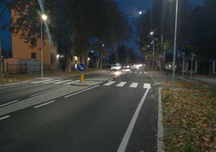 Modena, Hera Luce: in viale Montecuccoli passaggi pedonali illuminati