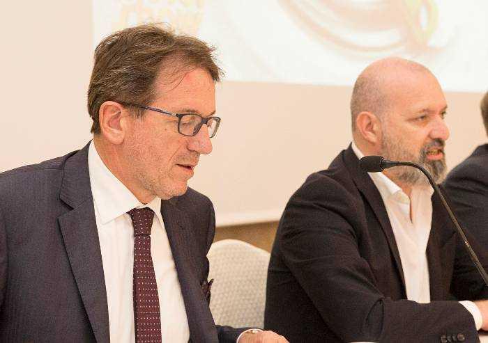 Covid a Modena, dati pessimi: servono restrizioni. Ma nessuno lo dice