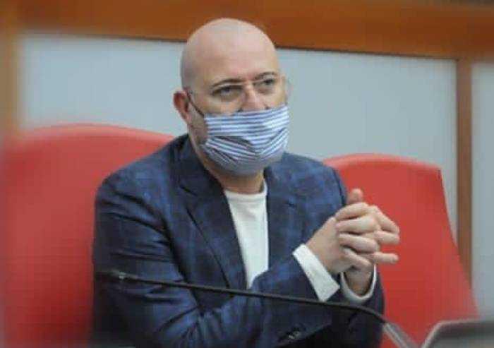 Covid, Bonaccini ha un inizio di polmonite bilaterale