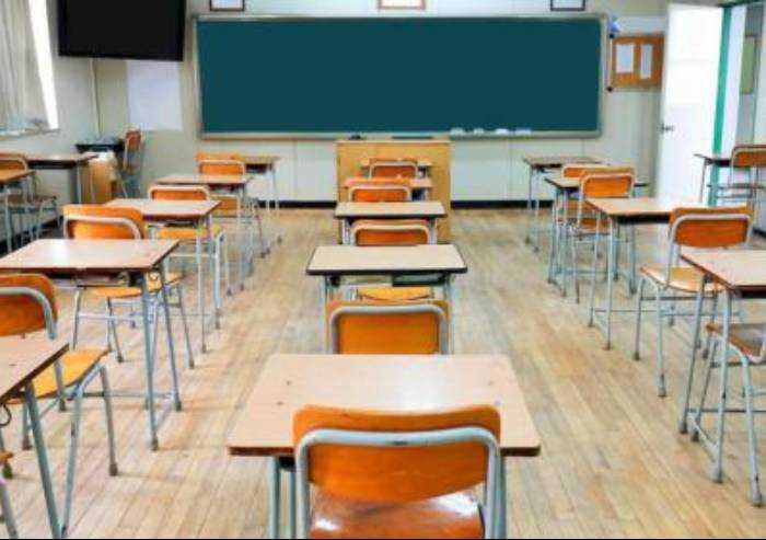 Covid nelle scuole di Modena, altre 19 classi in isolamento