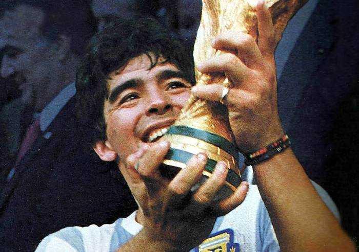 E' morto Diego Armando Maradona: si è spenta la leggenda del calcio