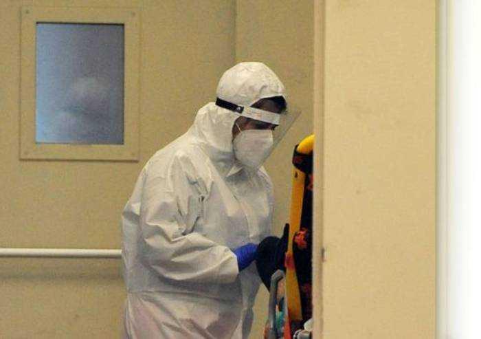 Covid, 13 morti a Modena in un giorno: 158 sintomatici su 250 contagi