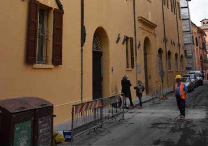 Il Venturi di Modena ripensa i marchi più famosi in chiave anti-Covid