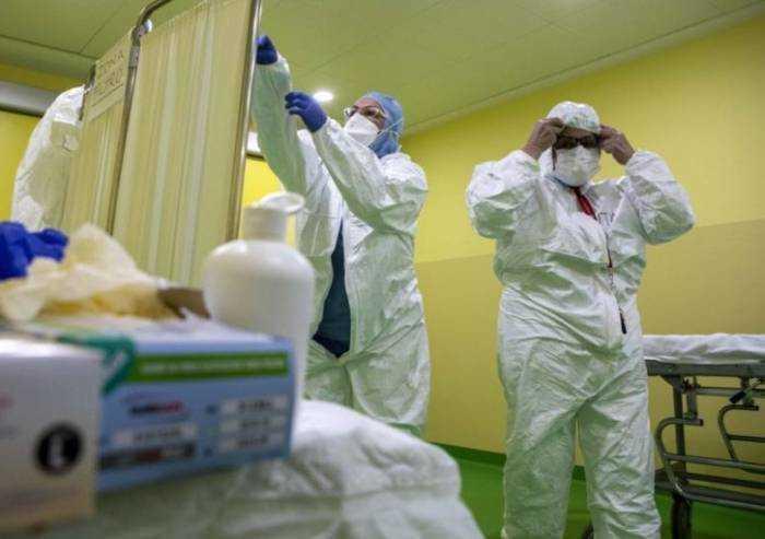Covid, a Modena 471 contagi e 7 morti. Ricoverate 27 persone