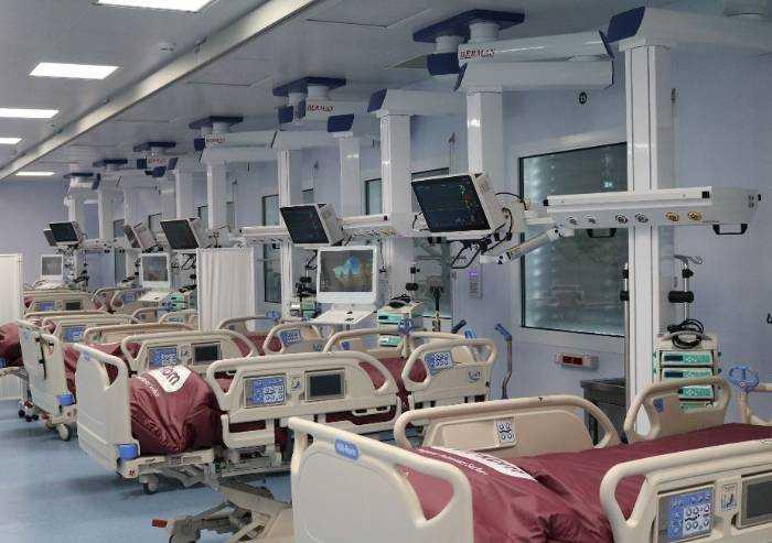 Policlinico, 30 nuovi posti terapia intensiva Covid nei moduli esterni