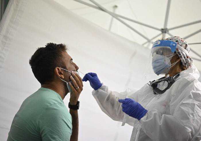 Covid, oggi le persone malate a Modena sono 9591