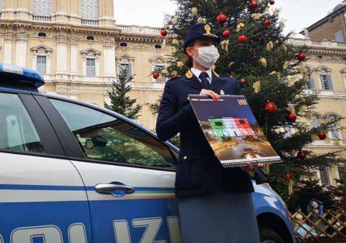 Polizia di Stato, presentato il calendario 2021 in piazza Roma