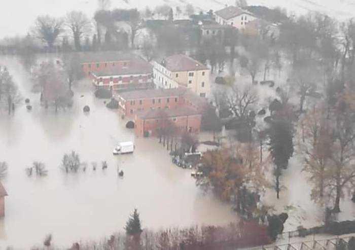 Alluvione Nonantola, 37 cittadini in hotel. Conto corrente per aiuti