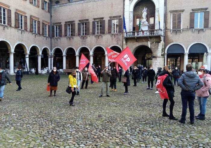 Strage nelle cra di Modena: operatori in piazza con la Cgil