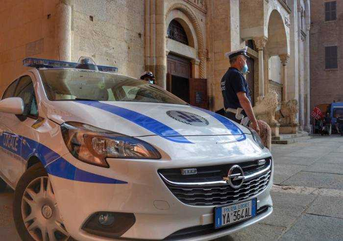 Modena, bivacca in centro storico: daspo urbano per un torinese