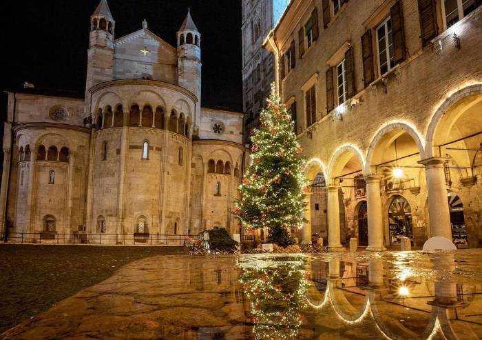 Modena, il sindaco vara i provvedimenti anti-assembramento light
