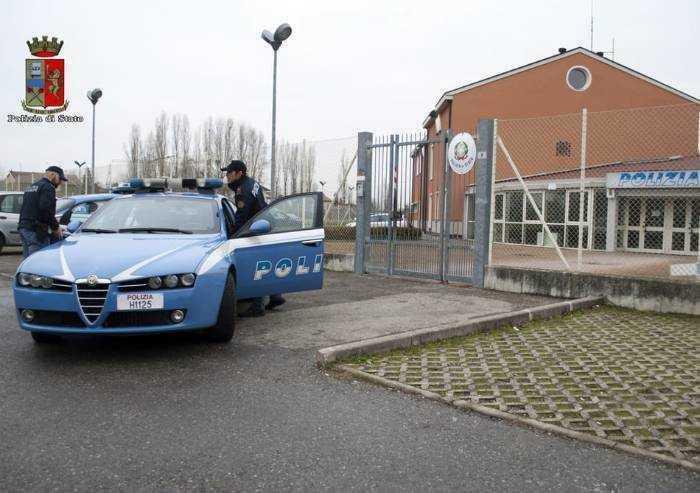 Carpi: prende a testate un poliziotto, arrestato