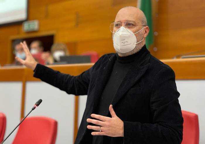 A Natale tour di Bonaccini e della giunta regionale negli ospedali Covid