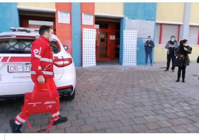 Covid Modena, primi 150 vaccini arrivati a Baggiovara in Maserati