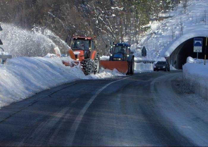 Appennino modenese, oltre un metro di neve a Passo delle Radici
