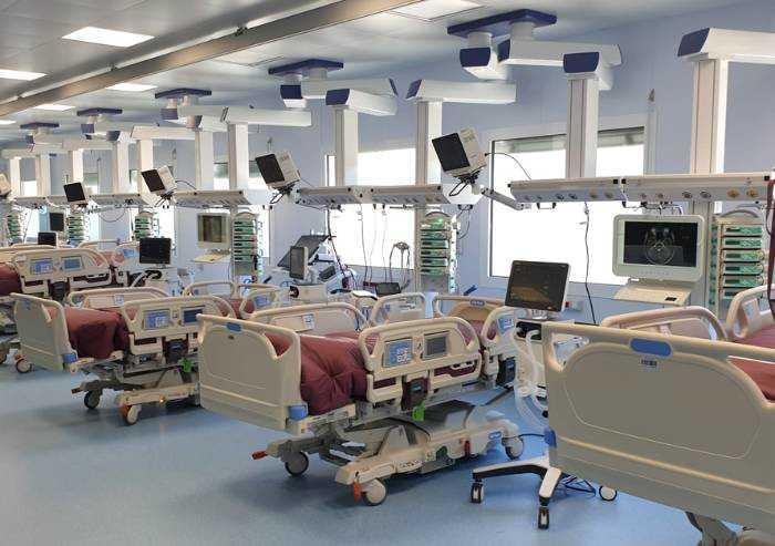 Policlinico Modena, riaperte nuove terapie intensive Covid allagate