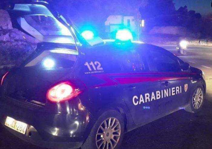 Pavullo: fuggono alla vista dei Carabinieri e si schiantano