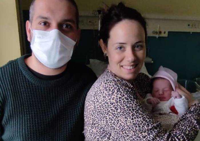 Modena, la speranza del 2021 nei volti dei bimbi nati a Capodanno