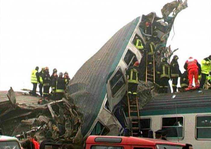 Sedici anni fa disastro ferroviario Crevalcore: cerimonia coi parenti