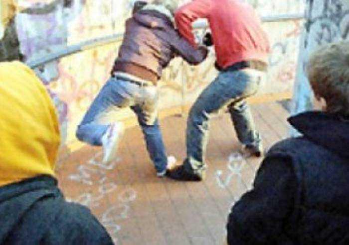 Modena, ennesima rissa ieri tra baby gang in centro storico