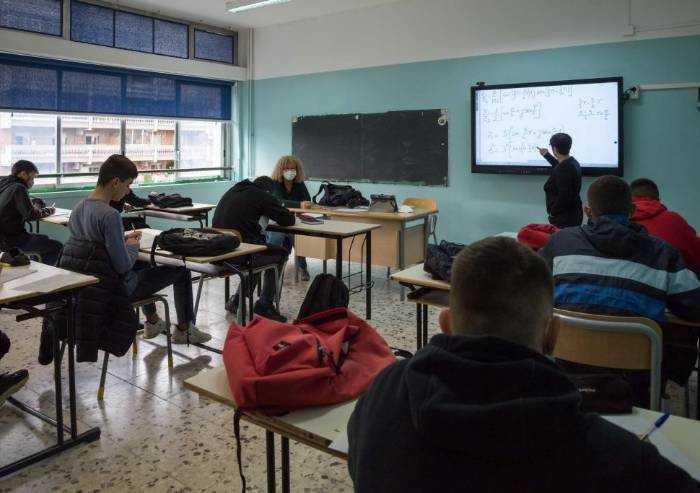 Riaperture scuole, sorpresa: l'83% degli studenti modenesi è contrario
