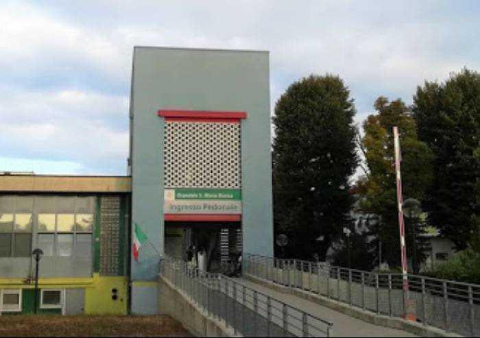 Ospedale Mirandola, cappella trasformata in area accettazione pazienti
